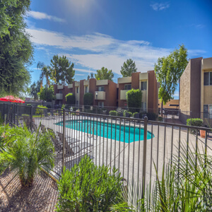 Sycamore square apartments in mesa sells for cem for Sycamore square